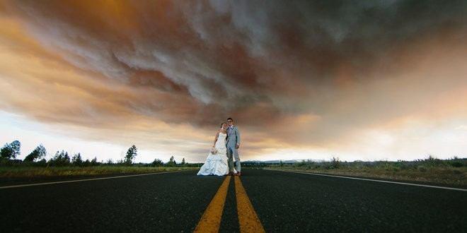 Dramatiske bryllupsbilleder med flammer